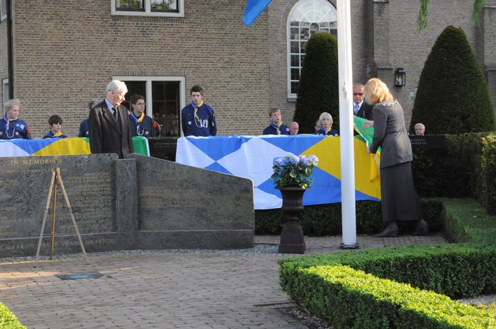 piershil-onthulling-monument-wo2-4mei2011-26