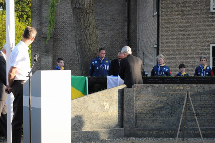 piershil-onthulling-monument-wo2-4mei2011-30