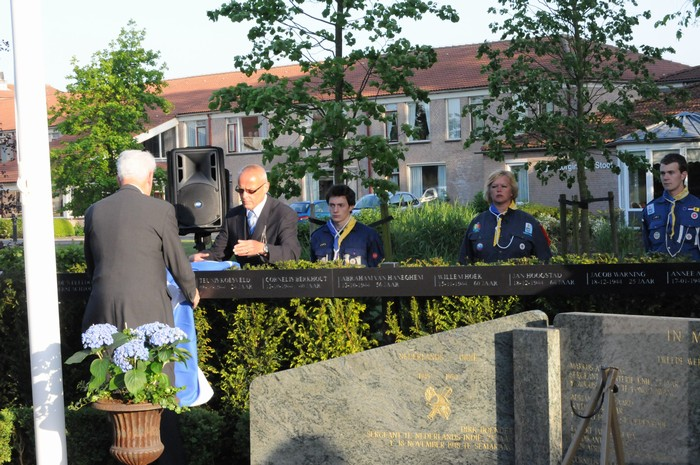 piershil-onthulling-monument-wo2-4mei2011-33