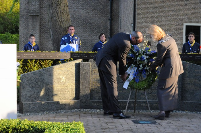 piershil-onthulling-monument-wo2-4mei2011-37