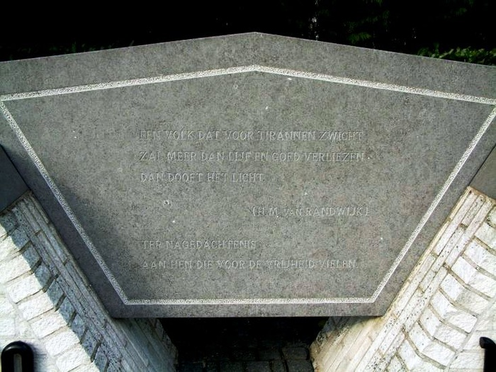 klaaswaal-monument-03