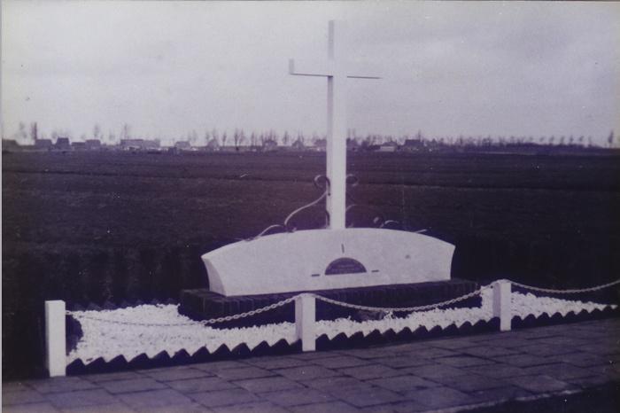 monument-moeder-1946-02.jpg