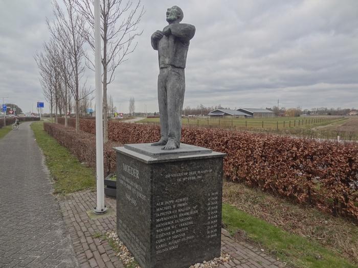 monument-moeder-6mrt2015-07