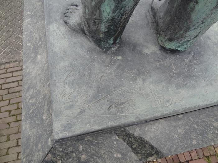 monument-moeder-6mrt2015-08