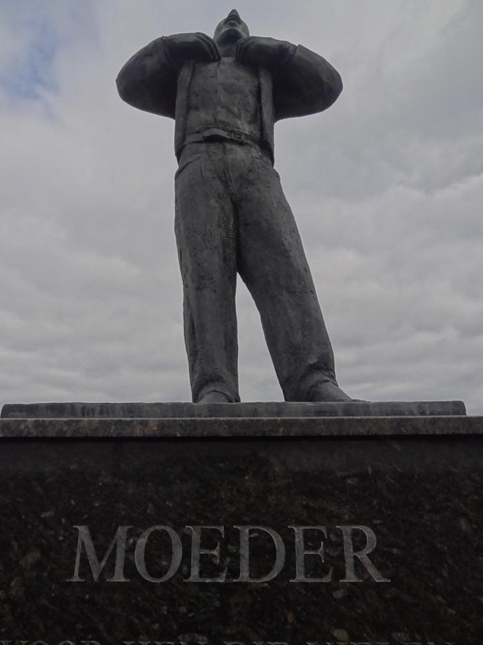 monument-moeder-6mrt2015-11