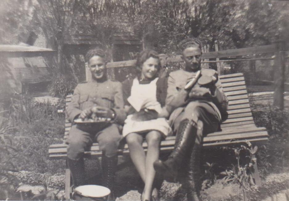 piershil-molendijk-jannygroeneberg-soldaten-achtertuin-adam-bottenberg