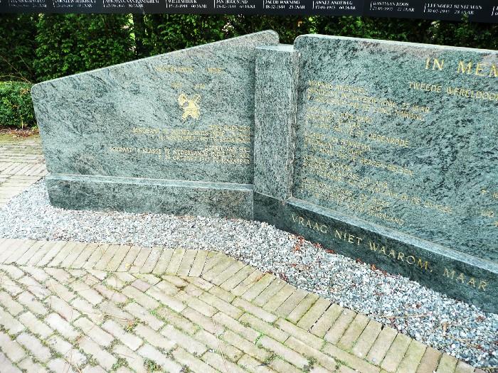 piershil-monument-paneelterug-juli2011-02