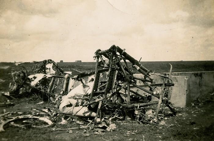 piershil-oorlog-vliegtuigen-heinkel-hooidam