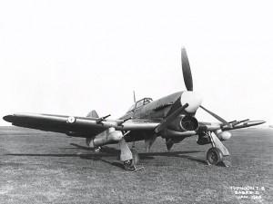 piershil-oorlog-vliegtuigen-typhoon