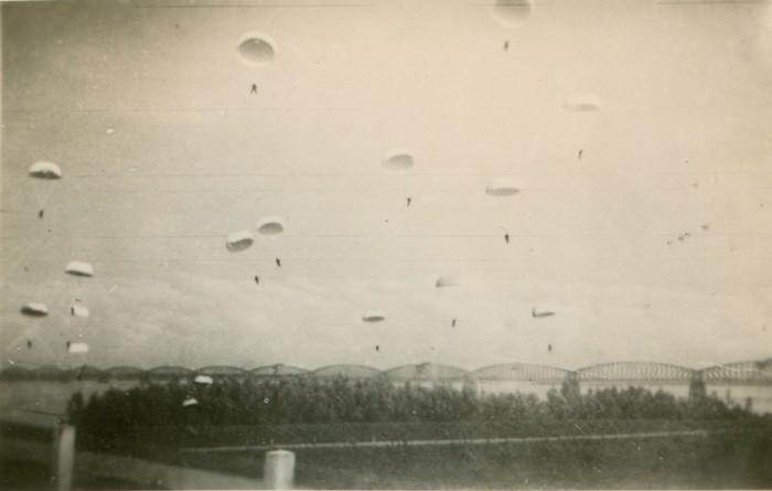 wo2-parachute-02