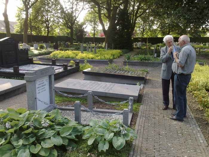 berkhout-begraafplaats-15juni2009