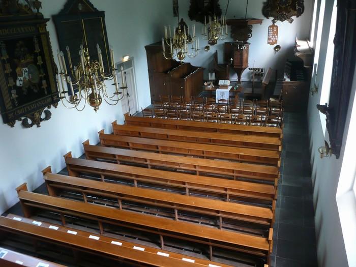 piershil-dienst-kerk-burgerslachtoffers-4mei2011-01