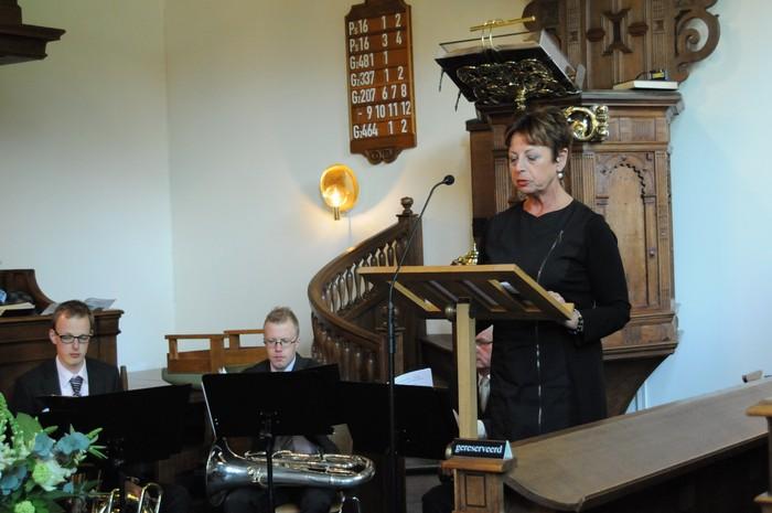 piershil-dienst-kerk-burgerslachtoffers-4mei2011-05