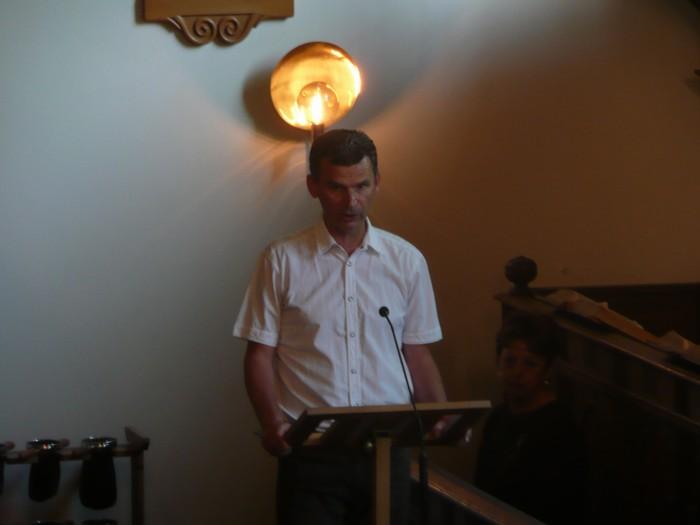 piershil-dienst-kerk-burgerslachtoffers-4mei2011-14