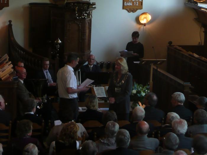 piershil-dienst-kerk-burgerslachtoffers-4mei2011-16