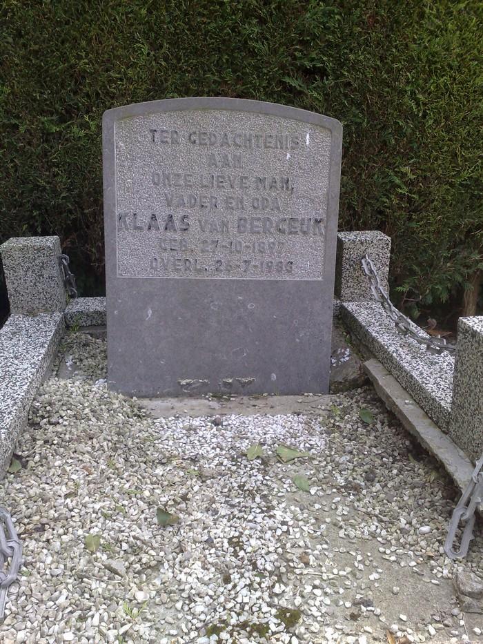 piershil-foto-begraafplaats-klaasvanbergeijk