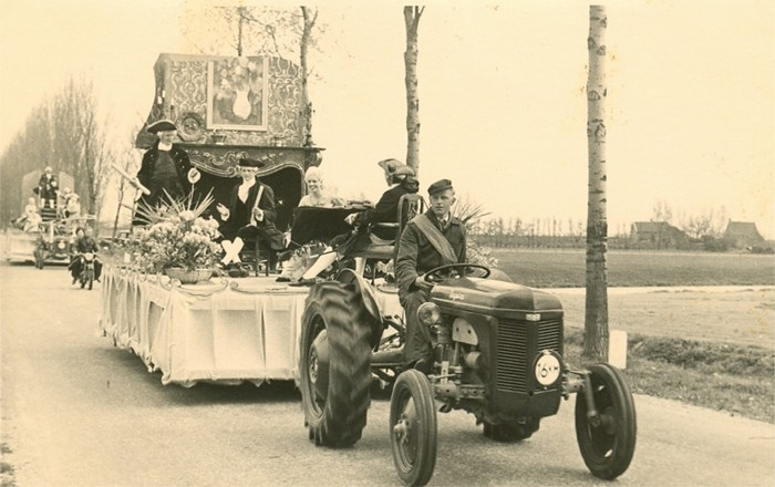 piershil-foto-optocht-1955-04