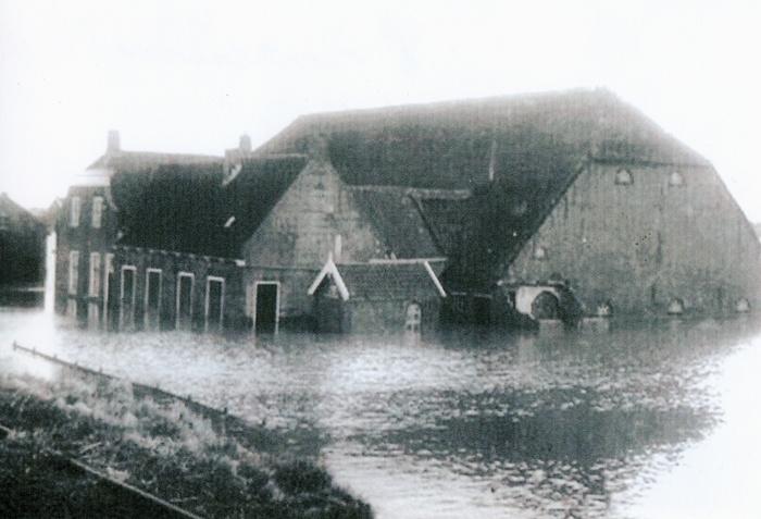 piershil-inundatie-boerderij-rosmolen
