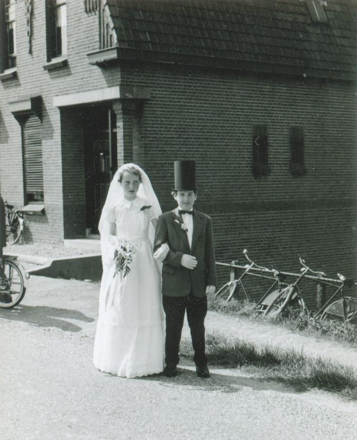 piershil-molendijk-bruid-riakooi-bruidegom-alievdheiden-5mei1960