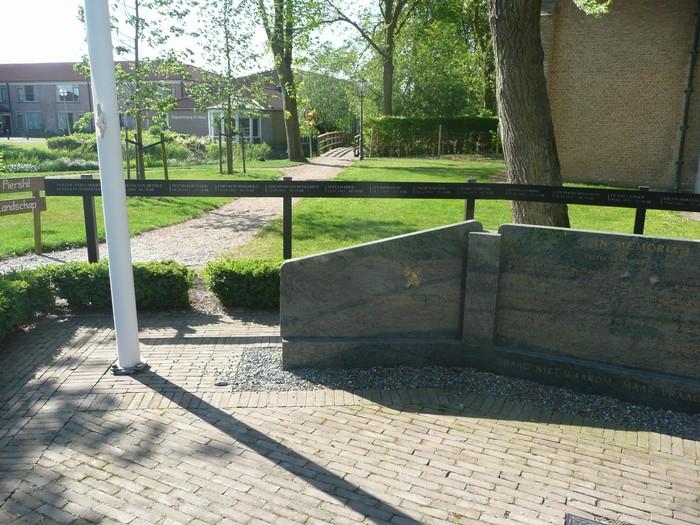 piershil-monument-burgerslachtofferswo2-29april2011-06