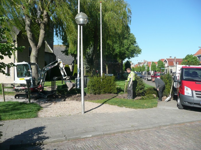 piershil-monument-burgerslachtofferswo2-2mei2011-01