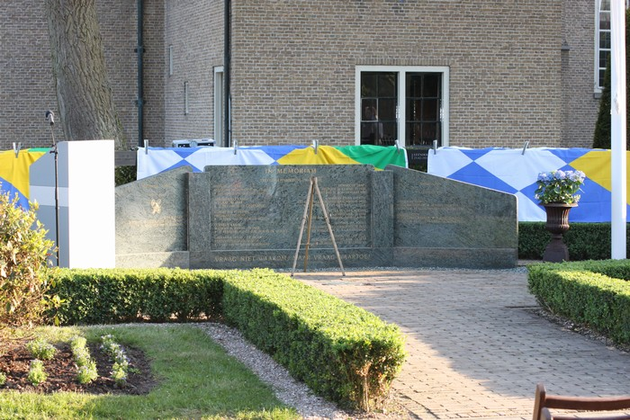 piershil-monument-burgerslachtofferswo2-4mei2011-02