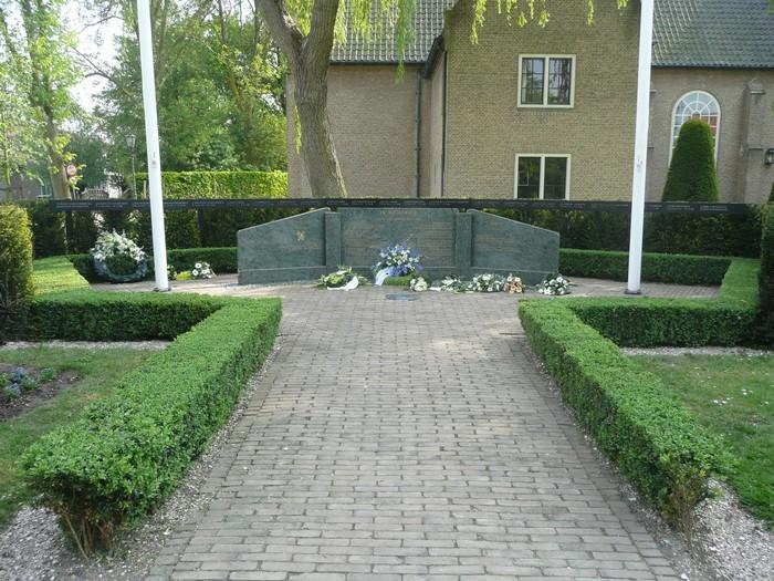 piershil-monument-burgerslachtofferswo2-5mei2011-01