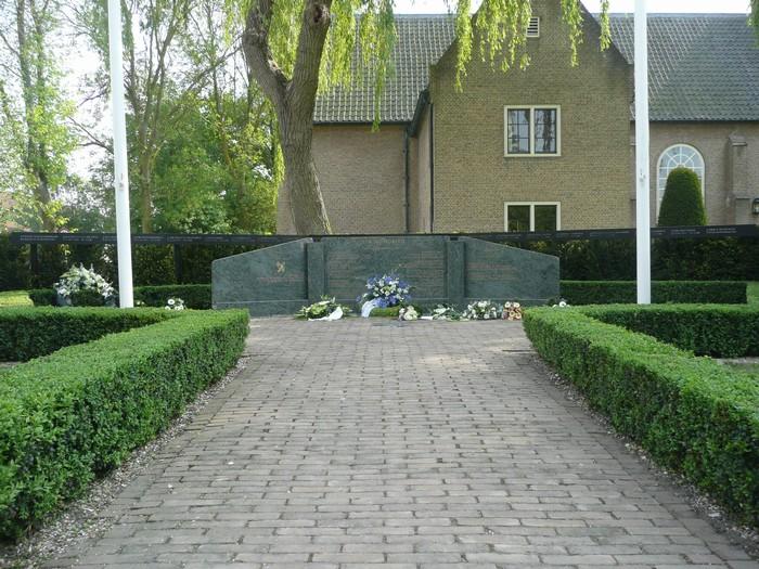 piershil-monument-burgerslachtofferswo2-5mei2011-02