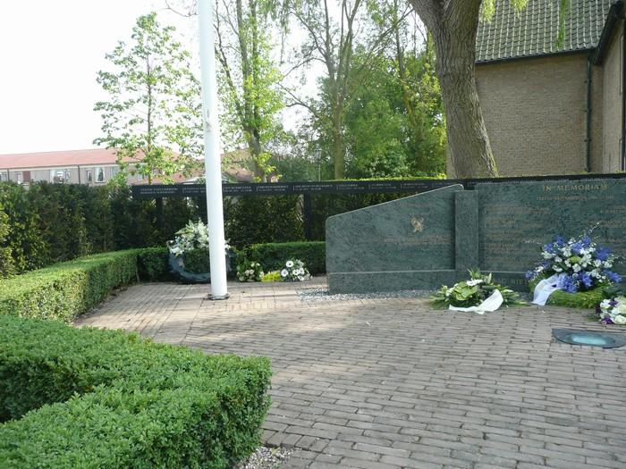 piershil-monument-burgerslachtofferswo2-5mei2011-04