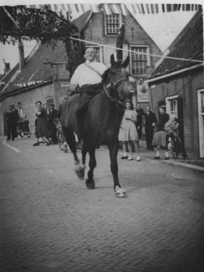 piershil-oorlog-5mei1946-02