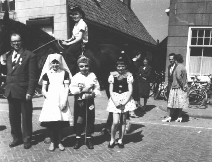 piershil-oorlog-bevrijdingsfeest-5mei1960-05