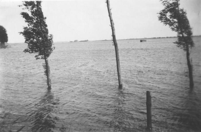 piershil-oorlog-inundatie-09