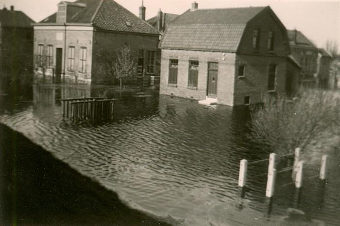 piershil-oorlog-inundatie-benedenmolendijk-03