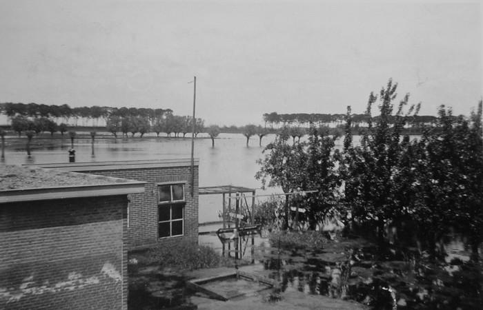 piershil-oorlog-inundatie-benedenmolendijk-05