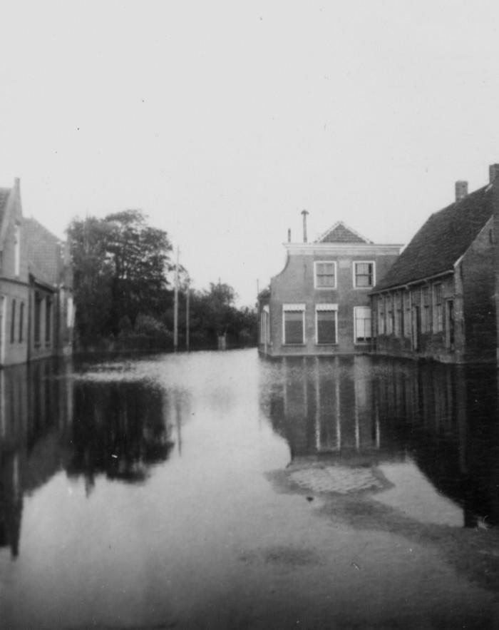 piershil-oorlog-inundatie-voorstraat-08