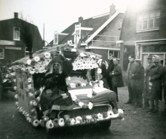 piershil-optocht-bevrijdingsfeest-5mei-1965-02