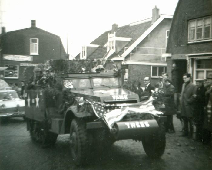 piershil-optocht-bevrijdingsfeest-5mei-1965-03