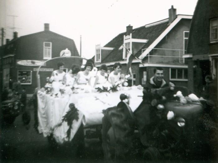piershil-optocht-bevrijdingsfeest-5mei-1965-04