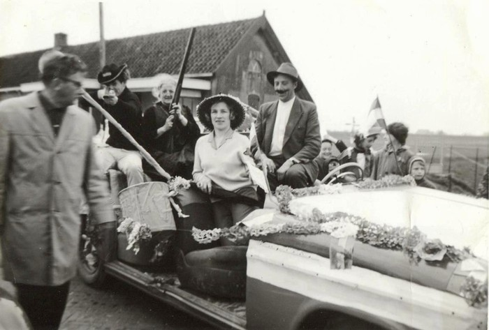 piershil-optocht-bevrijdingsfeest-5mei-1965-06