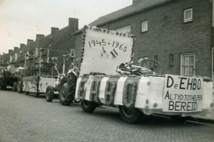 piershil-optocht-bevrijdingsfeest-5mei-1965-08