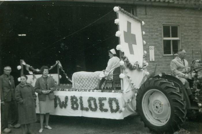 piershil-optocht-bevrijdingsfeest-5mei-1965-09