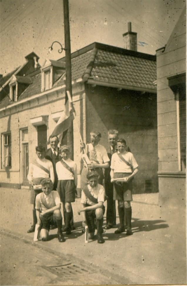 piershil-voorstraat-5mei-1946-01