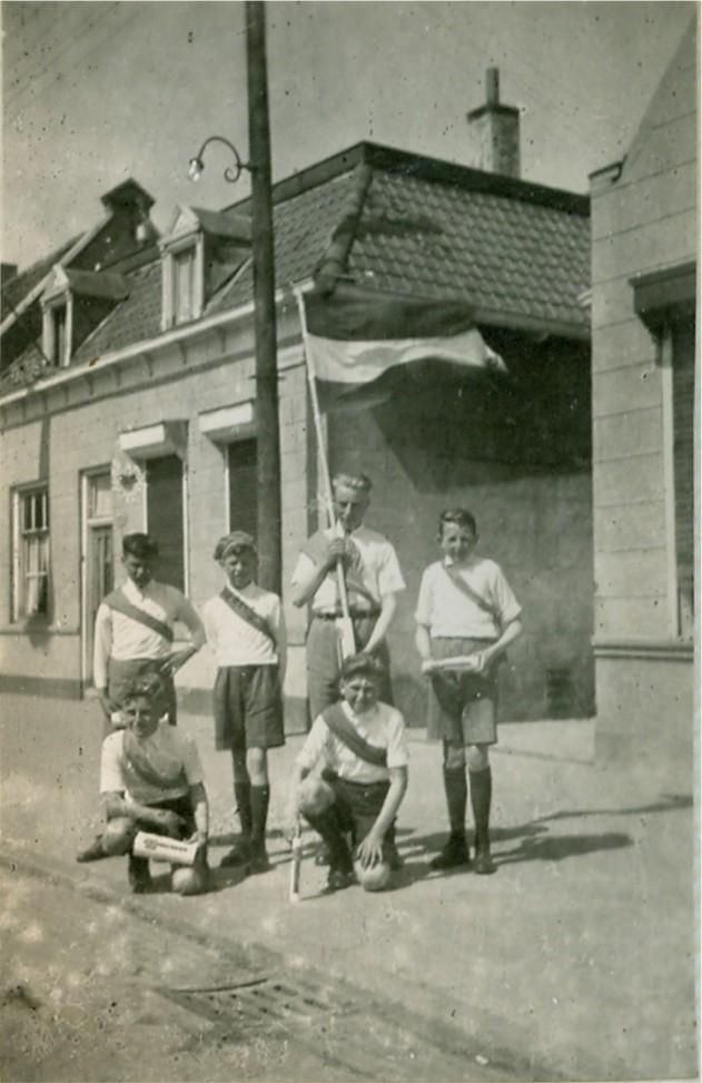 piershil-voorstraat-5mei-1946-02