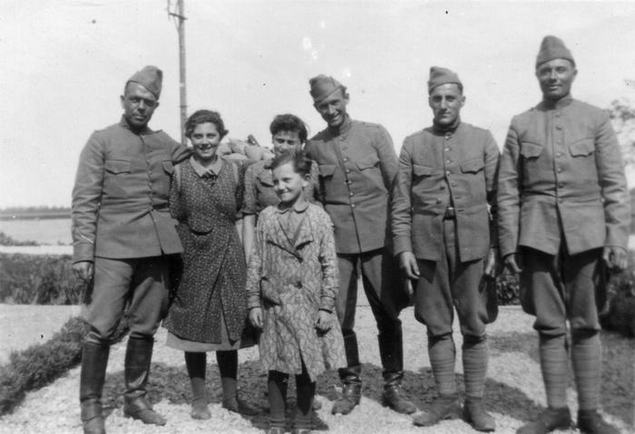 23RA-1940-Mookhoek-metbewoners