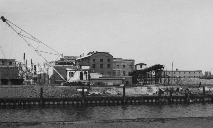 1945-oorlogschade-suikerfabriek-02