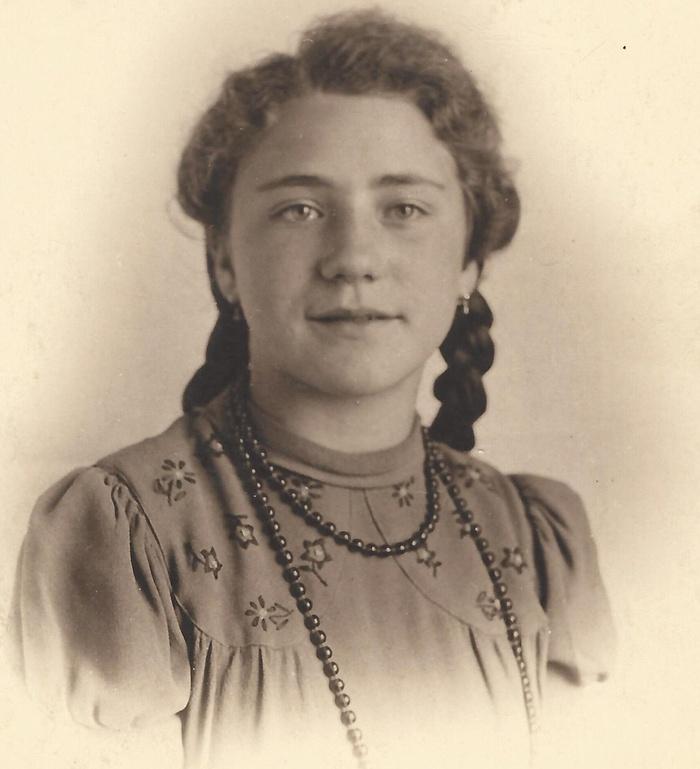 Tiny (Marthina) van Bergeijk, circa 1943