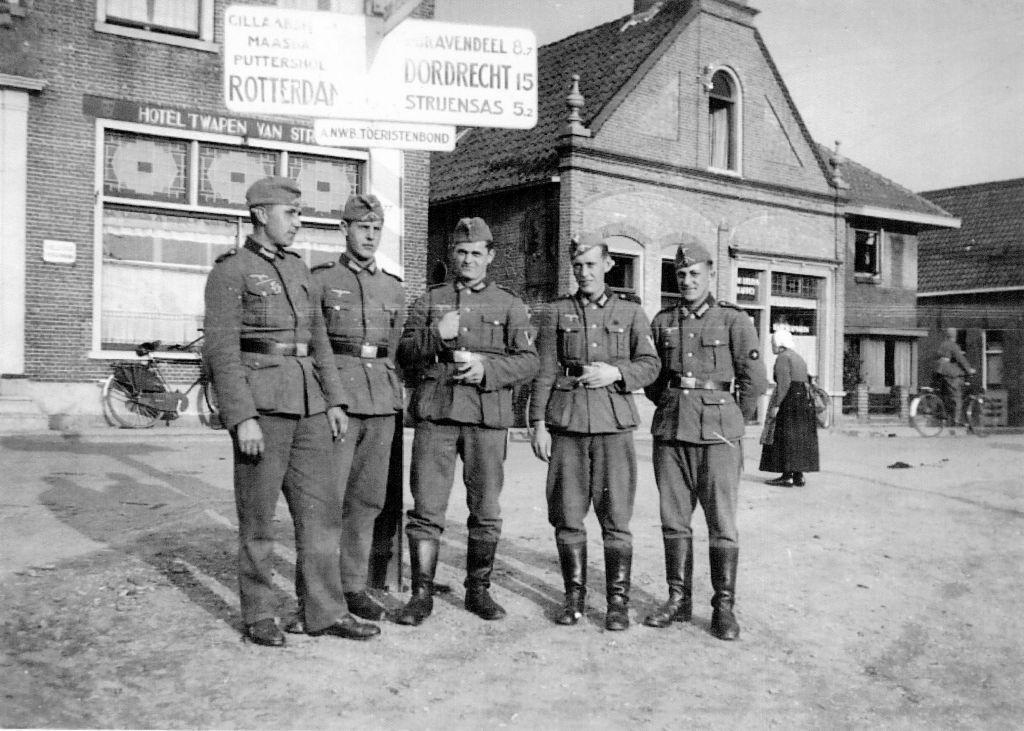 Duitse-militairen-op-de-Kaai