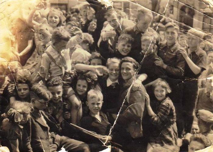 bevrijding-oudbeijerland-canadezen-jeugd