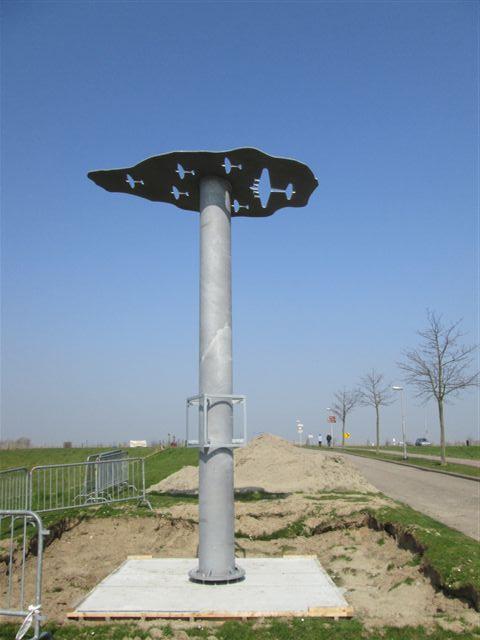 monument-9april2015-02