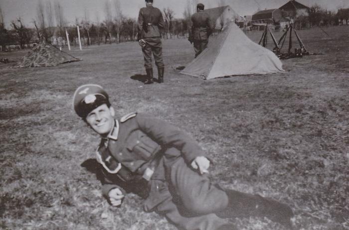 wo2-duitsers-oud-beijerland-werner-munt-sept1940-oefening-terrein-hbs